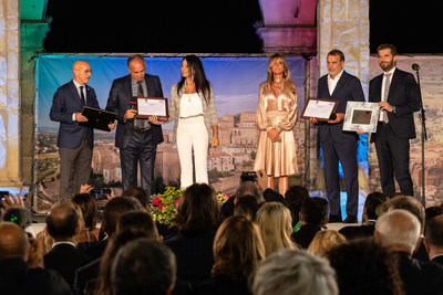 """Marco Tardelli and Hansi Müller, winners of the Paolo Rossi Special Award """"Modello per i giovani"""" (Youth Role Model)"""
